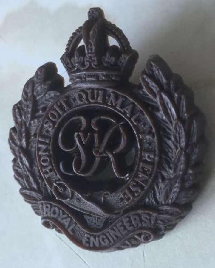 WW2 Royal Engineers Plastic Economy Cap Badge