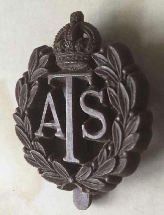 Scarce Original WW2 ATS Platstic Economy Cap Badge