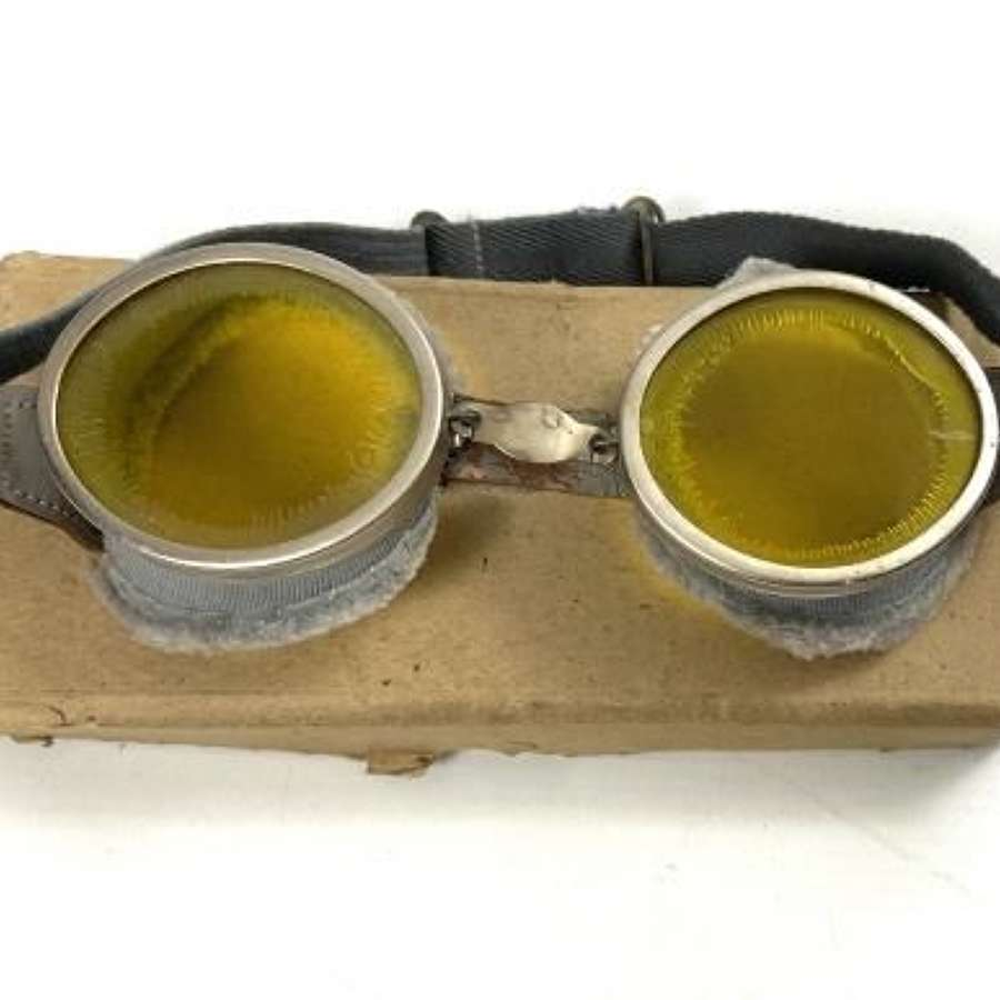Original WW2 British Round Army MT Goggles + Box