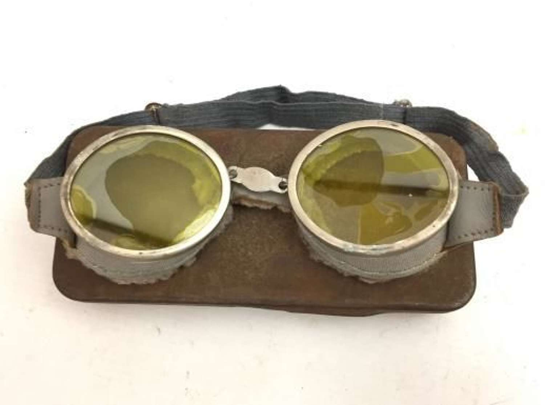 Original British Army MT Goggles and Tin - Round
