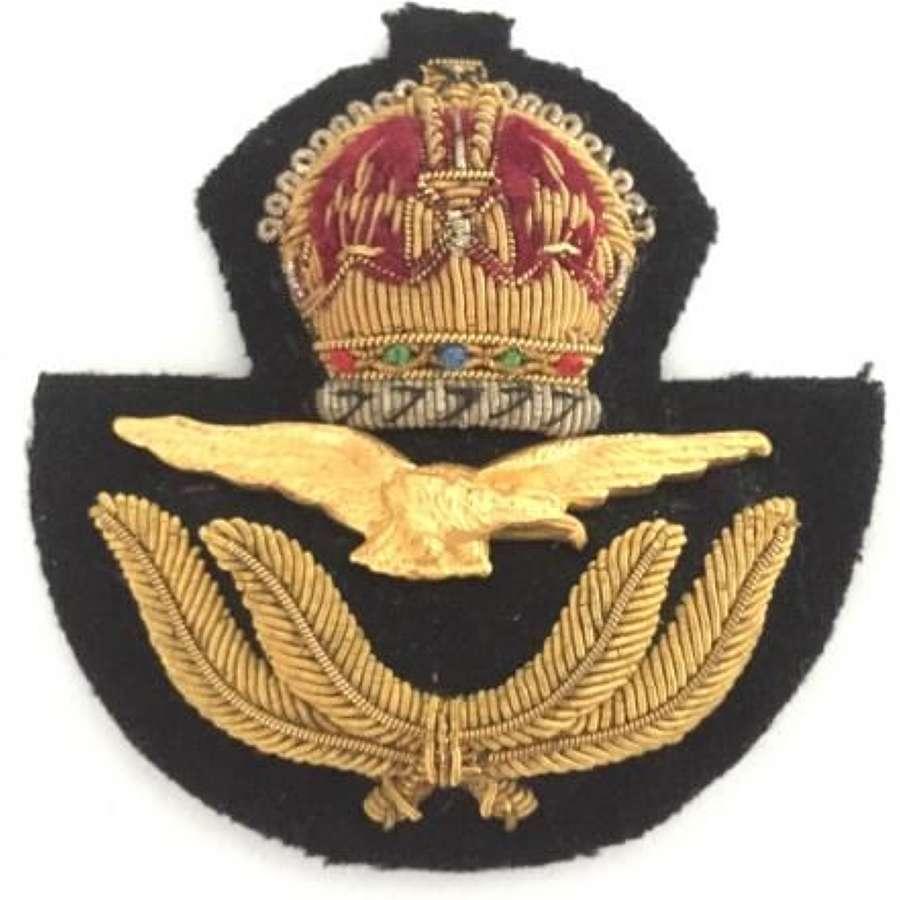 Superb Original Second World War RAF Officers Peaked Cap Badge