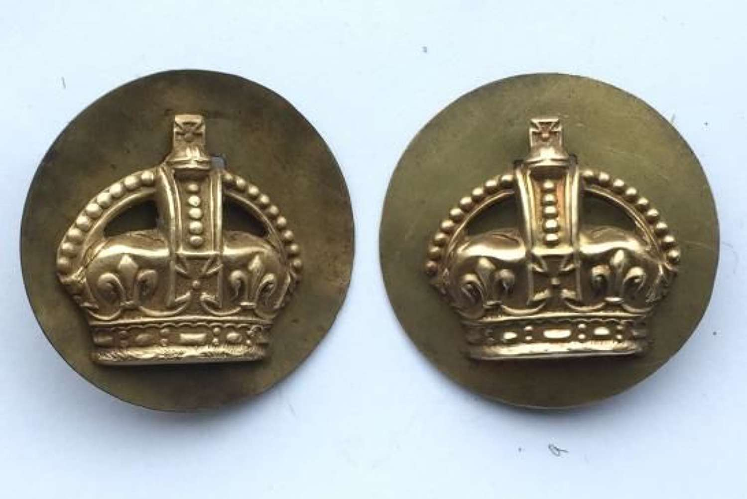 WW2 Period Brass RAF Flight Sergeant Crowns