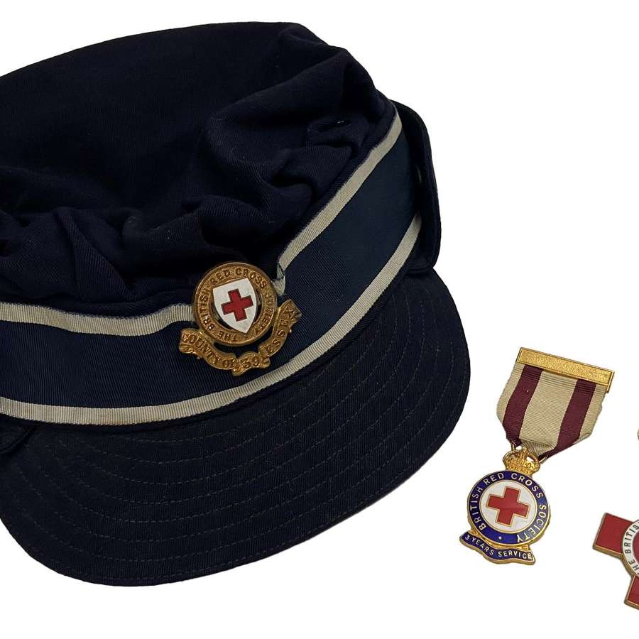 Original British Red Cross Nurse's Cap and Medal Grouping - 39 Essex